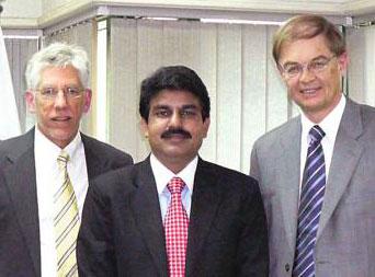 Shahbaz Bhatti a CSI munkatársaival