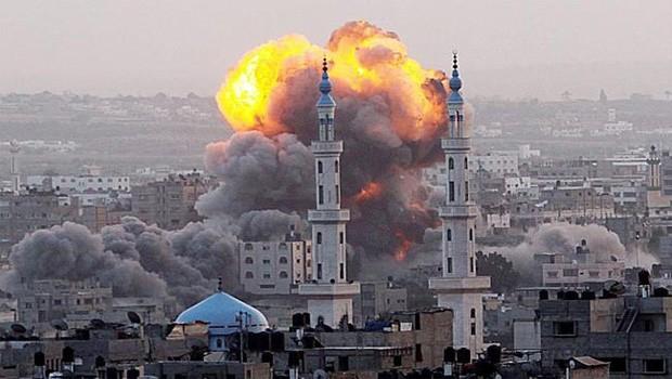 gázai bombázás