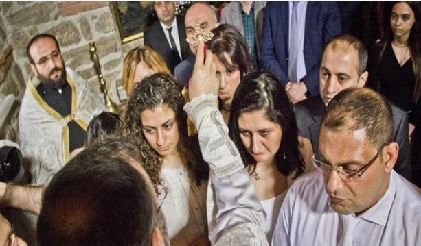megkeresztelkedett örmények