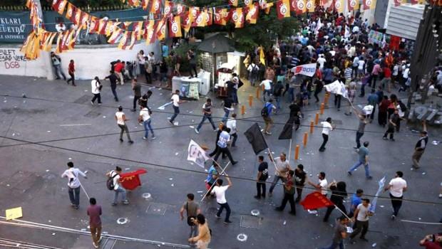 Kurdok tüntetések Erdogan terrorizmust támogató politikája ellen