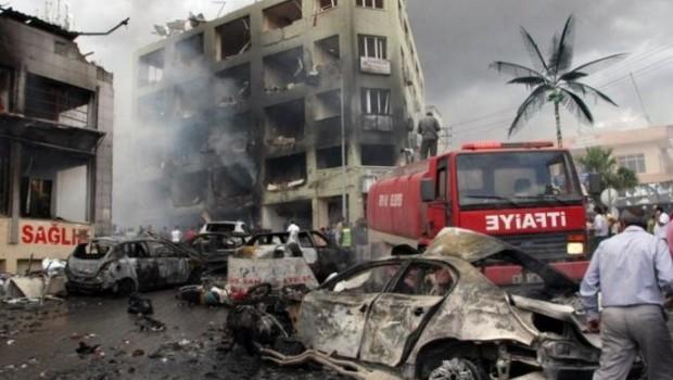Az Igazság és Fejlődés Párt (AKP) irodája előtt elkövetett pokolgépes merénylet