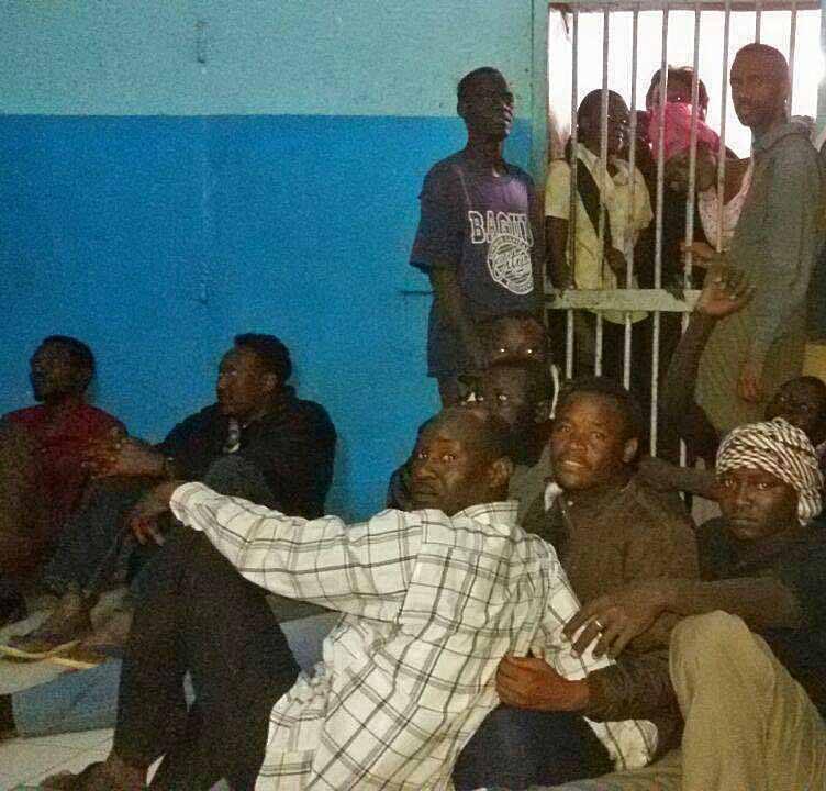 Khartúm a Bahri evangéliumi gyülekezet tagjai a rendőrségi fogdában.