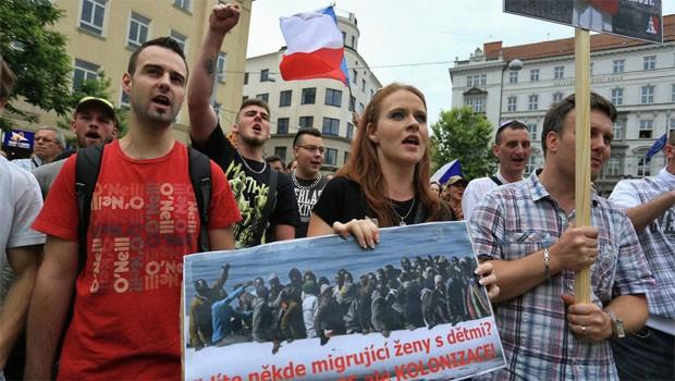 csehroszág tüntetés