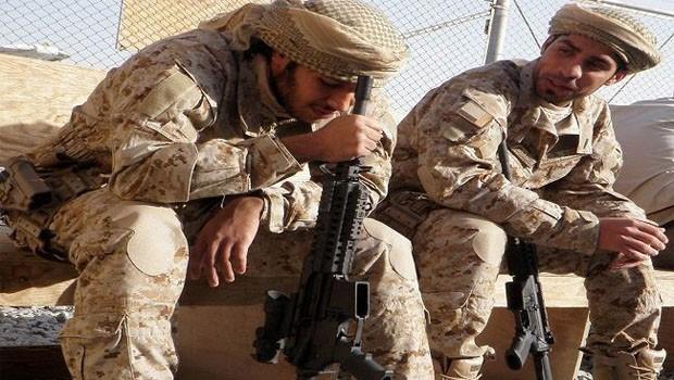 emirátusi katonák