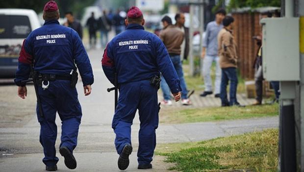 magyar rendőrök
