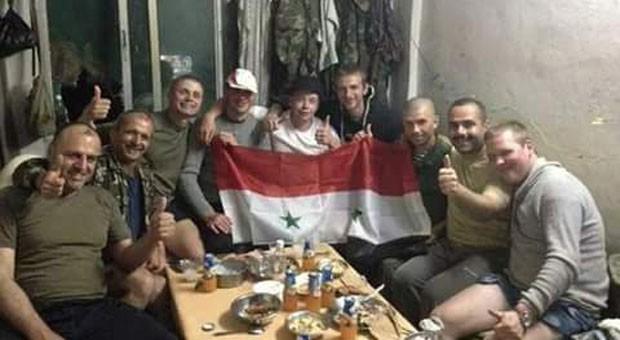 szír és orosz katonák