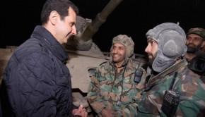 Assad elnök Újévkor meglátogatta a frontvonalon harcoló katonákat