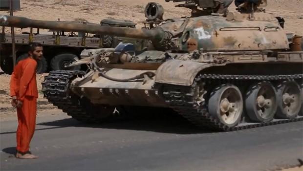 tankkal gázolták el