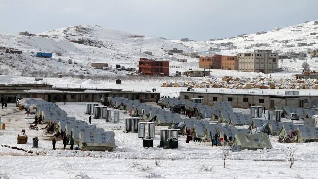 libanoni szír menekülttábor télen