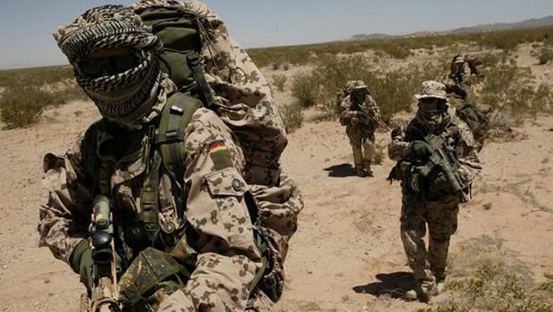 német katona líbia