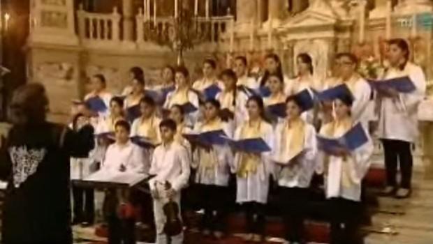 palesztin gyerekek magyar himnuszt énekelnek