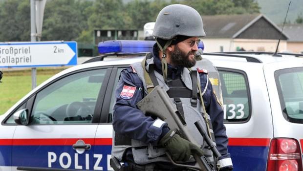 osztrák rendőr