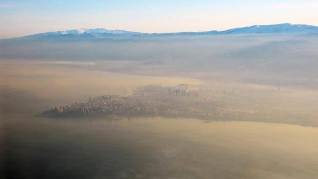 Bejrúti napfelkelte a távolodó levantei partokkal