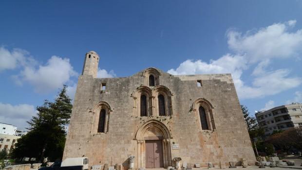 Központi raktárunk a tartúszi múzeum a középkori katedrálisban