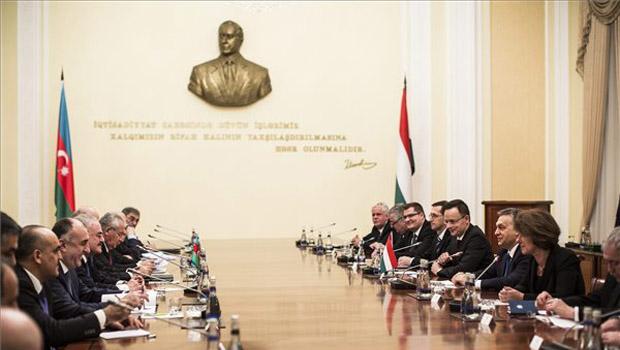 Magyar kormány bakuban