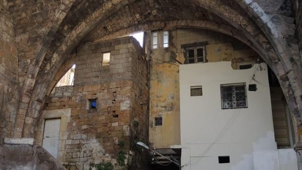 Rövid városnézés Tartúszban (a templomosok kápolnája az óvárosban)