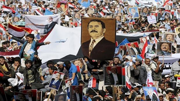 ali saleh melletti  tüntetés