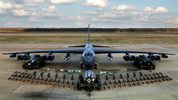 b 52 bombázó