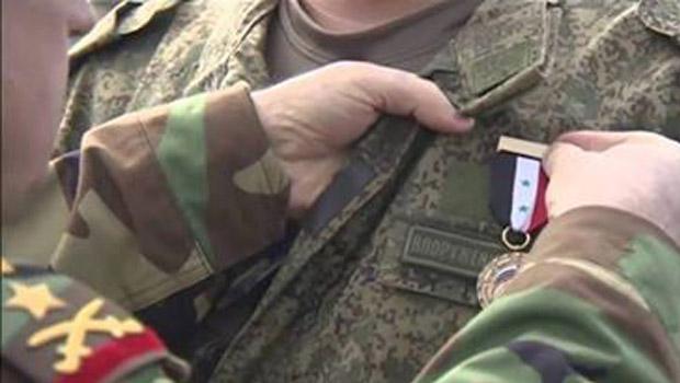 orosz katona szír kitüntetés