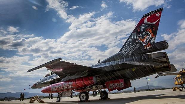 török vadászgép