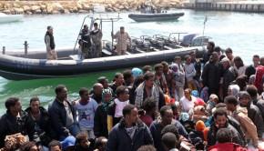menekültek líbia