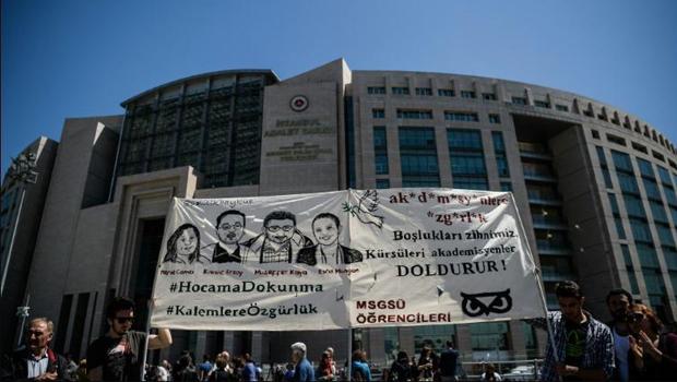 török egyetemi tanárok