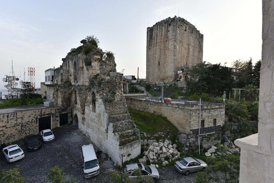 Hazafelé beugrottunk Szafita templomos erődjét megnézni
