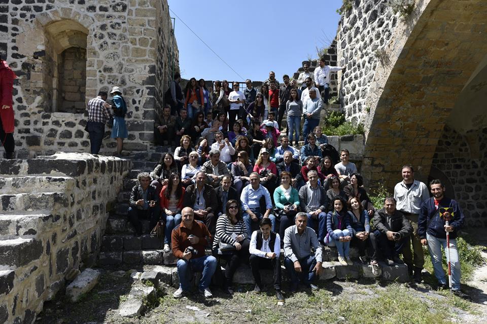 Látogatók a várban