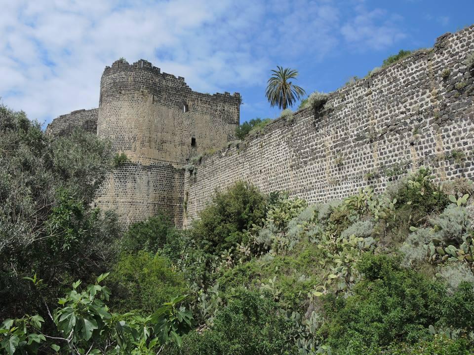A várárok külső oldalán