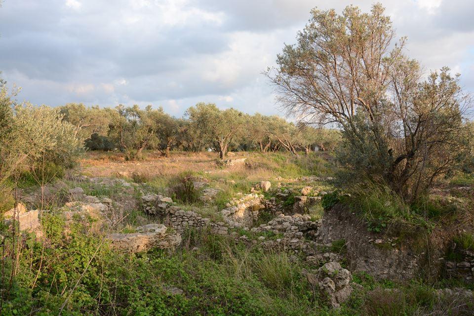 Bronzkori társasház maradványai a szállásunk mellett