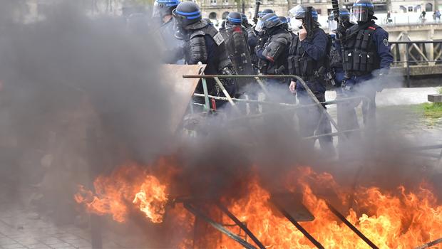 franciaország rendőrség