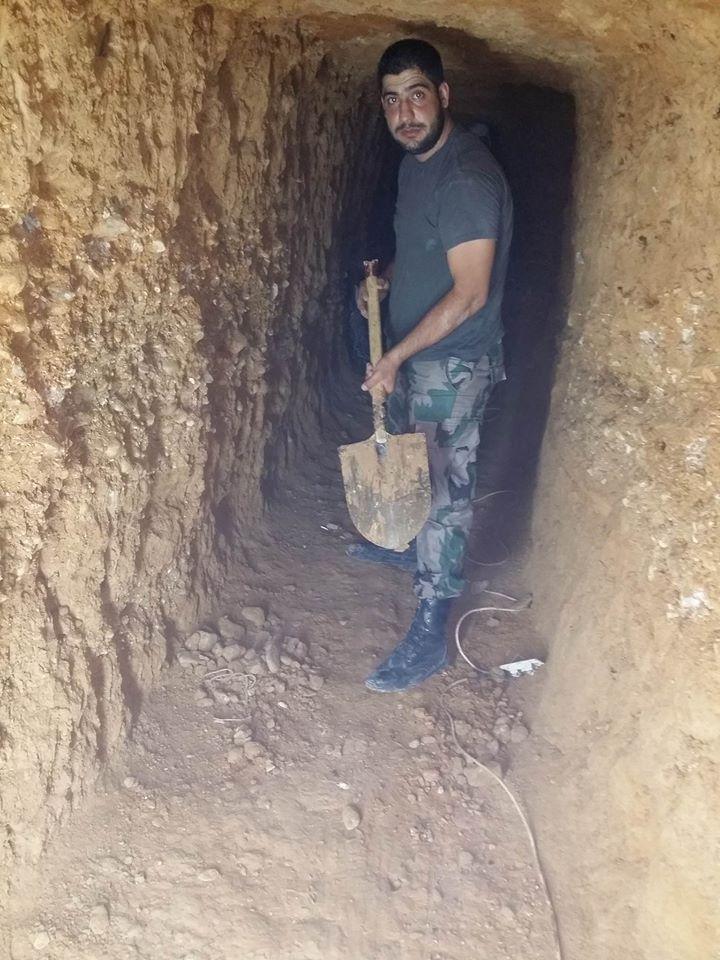 Hedr Szóbh dolgozik az alagútban
