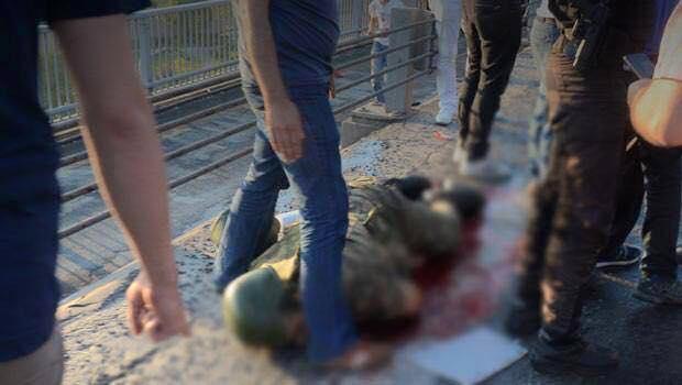 török katona a földön