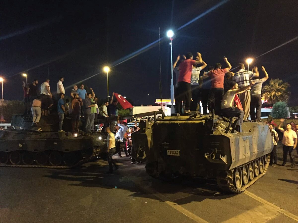 török kormánypártiak 4