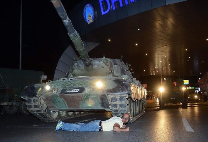 török kormánypártiak 6