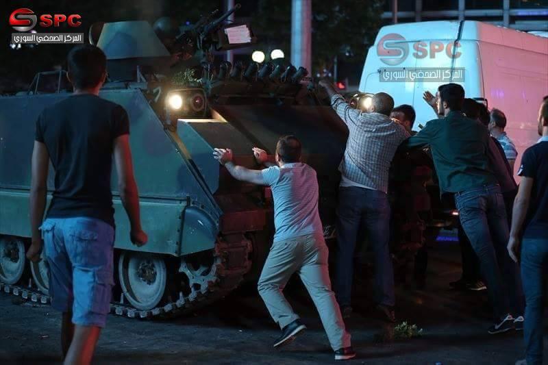 török kormánypártiak