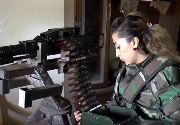 szír katona nő 3