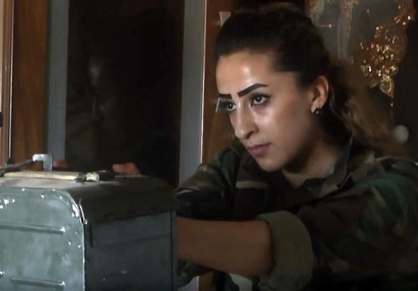 szír katona nő 4
