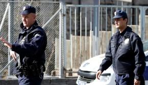 szerb rendőr