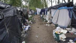 calais franciaország menekültek