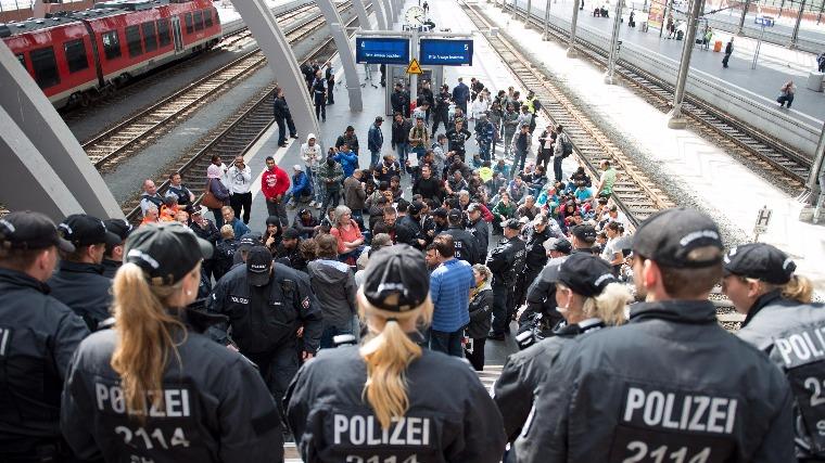 nemet-rendor-menekultek