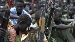 del-szudan-gyerekek-fegyver-terror
