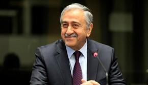 Mustafa Akinci észak ciprus elnök