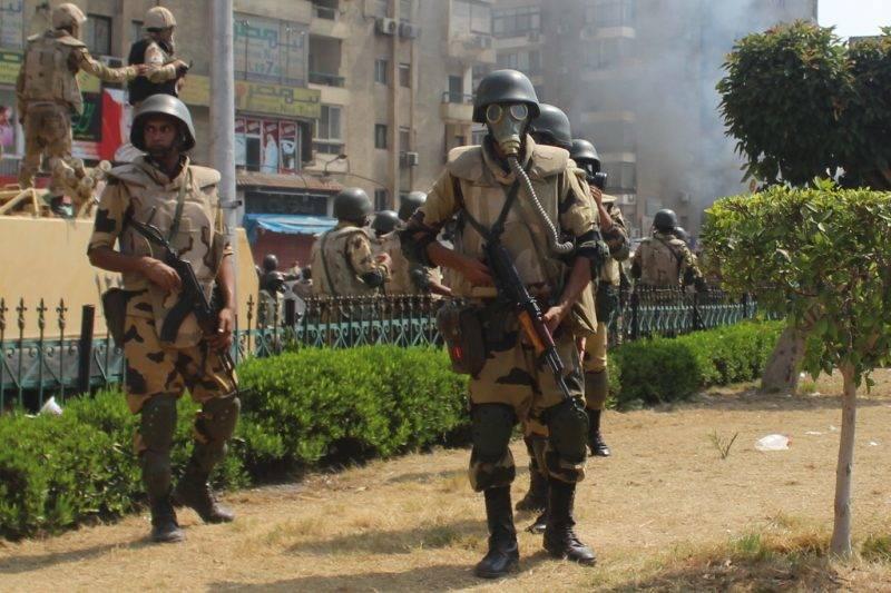 A Muzulmán Testvériség tüntetését felszámoló katonák 2013-ban. Fotó: JS