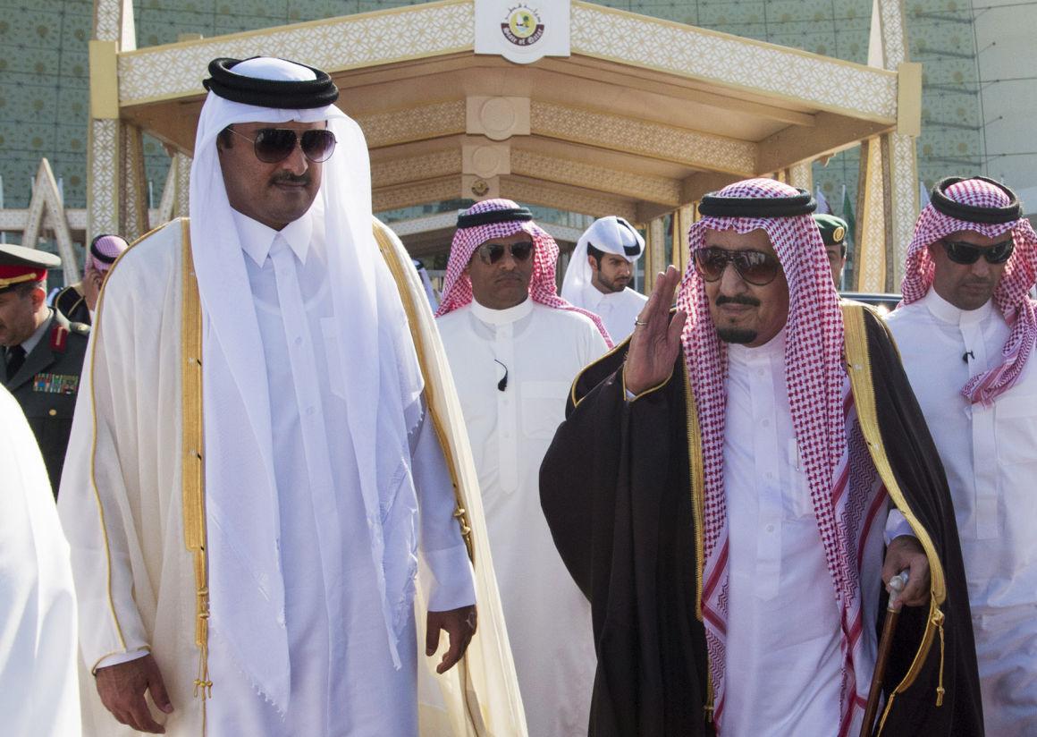 Tamim katari emír és a szaúdi király 2016-ban.Fotó: BANDAR AL-JALOUD/AFP