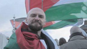 A dublini önkormányzat tagja, John Leon.