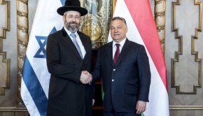 A Miniszterelnöki Sajtóiroda által közreadott képen David Lau, Izrael askenázi főrabbija (b) és Orbán Viktor miniszterelnök találkozója az Országházban 2017. július 6-án. Fotó: Miniszterelnöki Sajtóiroda / Árvai Károly MTI Fotó: Miniszterelnöki Sajtóiroda / Árvai Károly